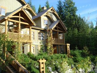 Gorgeous 3 Bed Ski in/out Mountain Star Property, Whistler
