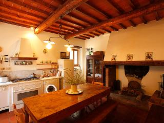 Cosy apartment in the Chianti area, with pool, San Casciano in Val di Pesa