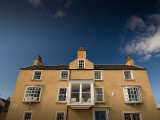 Beautiful beach house, sleeps up to 16 in Elie, Leven