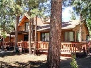 Fenced yard, Large cozy cabin, Chefs kitchen --- l, Big Bear City