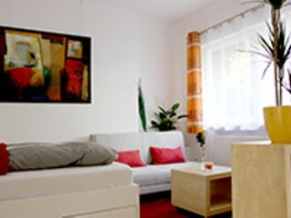 Vacation Apartment in Erlangen - 258 sqft, modern, central, cozy (# 4353)