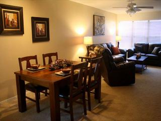 1st Floor 2 Bedroom with easy Access, Newly Furnished and Mountain Views!!!, Tucson