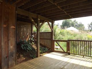 Asheville area - rustic with modern conveniences, Weaverville