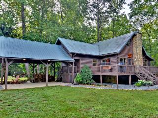 Gorgeous Creek Front Cabin w/ pond in Nat. Forest, Blue Ridge