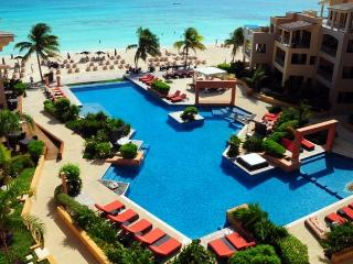 El Faro - Million $ View -Beachfront, Playa del Carmen
