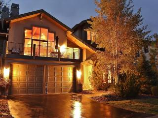 Beautiful Townhome Close to Skiing on Golf Course! - Park City vacation rentals