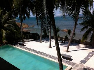The Boathouse, private vacation home right on the, Mui Ne