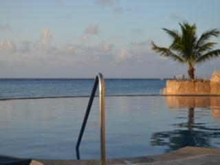 Oceanfront Penthouse *SUMMER/FALL ON SALE!*, Cozumel