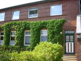 Vacation Apartment in Wilhelmshaven - 646 sqft, modern, comfortable, bright (# 4367)