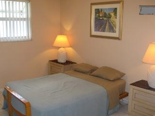 (Kiara) 1 Room 1 Bath Dania Beach FL.