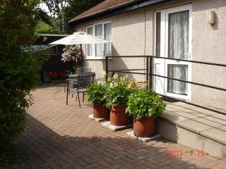 BEACHMOUNT HOLIDAY BUNGALOW - Rhos-on-Sea vacation rentals
