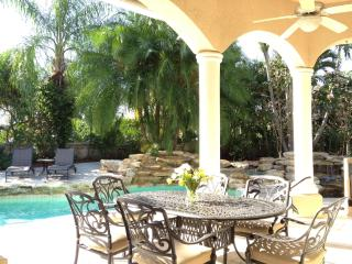 Fully Equipped Luxury Pool Home, Coral Springs