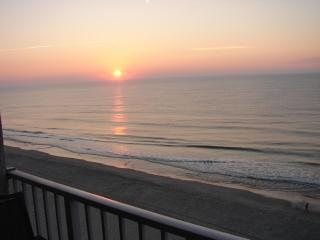 Awesome Oceanfront, Centrally Located, Shore Drive Condo with WiFi, Myrtle Beach