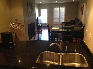 LOCATION LOCATION LOCATION!!! LUXURY LIVING IN OLD TOWN/MCCORMICK RANCH AREA ,, Scottsdale