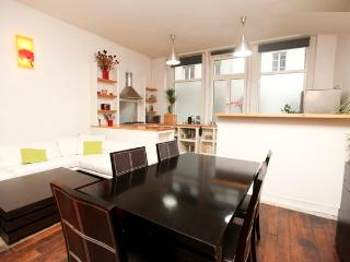 Loft le Chabrol for 11 People in Downtown Paris