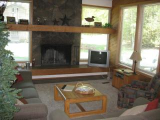 Quelah Condo-Private Pool & Tennis Ct, Hot Tub, Sunriver