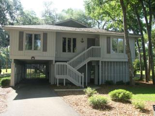 3 Bedroom Vacation Home-Golf Package Included!, Hilton Head