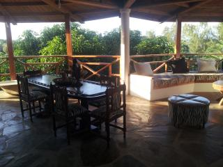 Suite in residence close to the ocean, Malindi