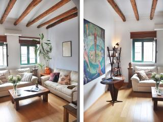 Gran Opera, three bedrooms with great views., Madrid