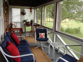Salt Water Farm Cabin, Organic waterfront, Brooksville