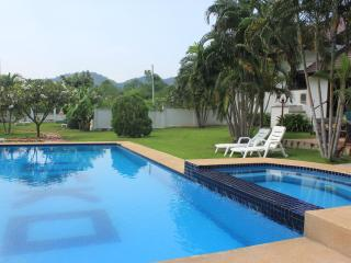 Casa Hua Hin - Charming 3 bedroom (pool) villa