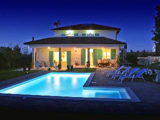 Luxurious 5 bedroom villa with private pool near Rovinj, Rovinjsko Selo
