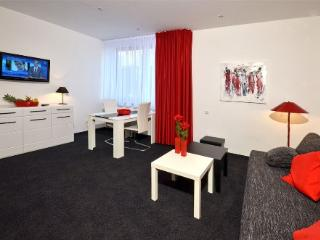 Vacation Apartment in Aalen - 269 sqft, central, modern, clean (# 4457)