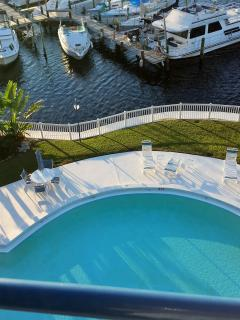 Gulfront Condo with spectacular sunsets, Port Richey