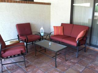 Walk 2 Everything Spacious Patio Home, Heated Pool, Fountain Hills