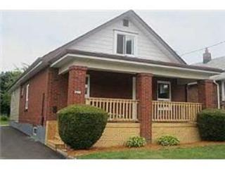 front of house - Newly renovated 3 bedroom house close to all amenities - Oshawa - rentals