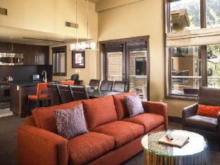 Picturesque view Hotel Terra One Bedroom Suite with Ski-in/ski out & jetted tub, Teton Village