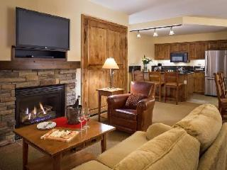 Chic Teton Mountain Lodge & Spa Two Bedroom Suite with Ski-in/ski out & jacuzzi - Teton Village vacation rentals