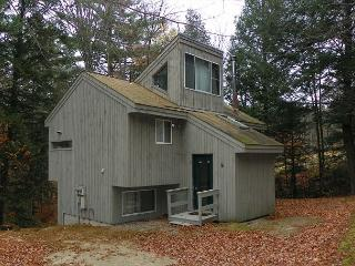 Waterville Estates NH Vacation Rental with 2 Bedrooms Plus Loft (HAR37M) - Campton vacation rentals