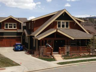 Beautiful 5 BR craftsman style  home in Grand Park, Fraser