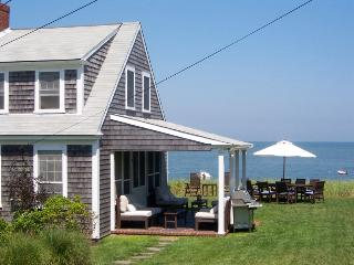 012-B Upscale cottage, right on the beach!, Brewster