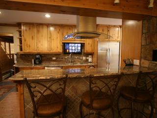 Platinum rated, newly remodeled with heated pool, Vail