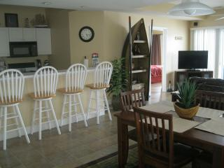 Lakefront Condo, 3BR, Fantastic View, heated pools - Missouri vacation rentals