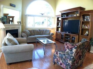 Ocean Edge with A/C, King Bed, close to pool (fees apply) - EN0542, Brewster