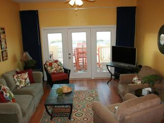 Gulf front duplex with POOL! 4 bedrooms/3 baths!, Gulf Shores