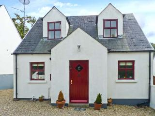 2 WOODLAWN, detached cottage, open fire, off road parking, enclosed garden, in Arthurstown, Ref 28006