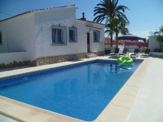 VILLA PRIV POOL 3 BEDROOMS A/C SEA VIEW 5MIN BEACH, Calpe