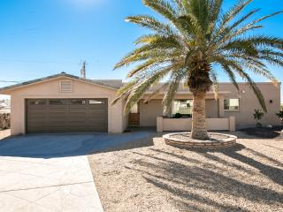3bed/3bath home w/ Pool, deck & amazing lake views, Lake Havasu City
