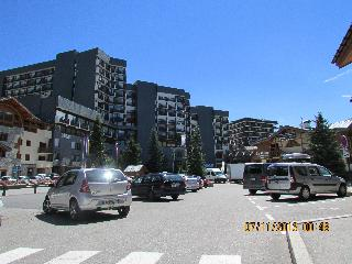 Great family apartment side of the ski slopes - La Defense vacation rentals