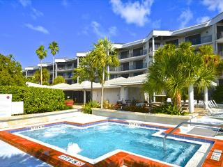 Atlantic Ocean View- Breathtaking Views. Pool, Hot Tub, & Beach Access!, Key West
