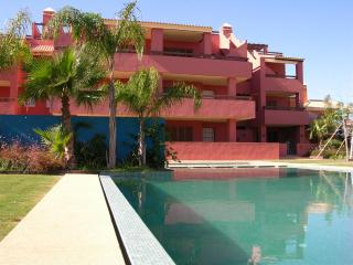 Penthouse Apartment. - Roof Terrace with Chill Out Sofas - Free WiFi - Commual Pool, Mar de Cristal
