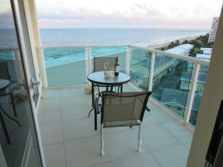 Directly On The Beach on the 10th Floor, Lauderdale by the Sea