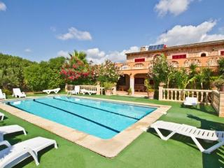 Large holiday home in Majorca -  perfect for groups (max. 16 people) - ES-1072030-Selva - Majorca vacation rentals