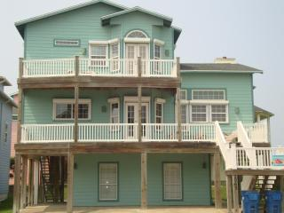 Sand Point Joint: Awesome Beach House w/ Gulf View, Port Aransas