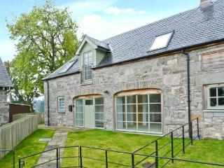 1 KENACLACHER STEADING, family holiday home, coalburning stove, lawned gardens, ample parking, near Kinloch Rannoch, Ref 29655
