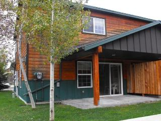 Charming Candlewood Condo walk to Park, Beach and Golf Course, McCall